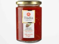 Ready made tomato sauce with artichokes and fennel