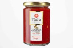 Ready made tomato sauce with mushrooms